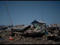 Tsunami ini terjadi di Flores Nusa Tenggara Timur (NTT), tepat pada 12 Desember 1992