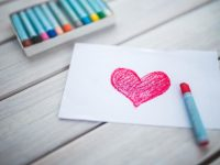 Kritis Membutuhkan Cinta