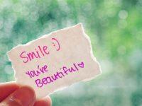 kata-kata-mutiara-tersenyum