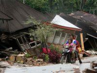gempa terjadi di daerah Pantai Sumatera 50 km Barat Laut Padang
