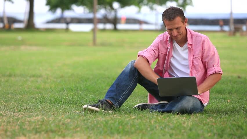 minat baca media online
