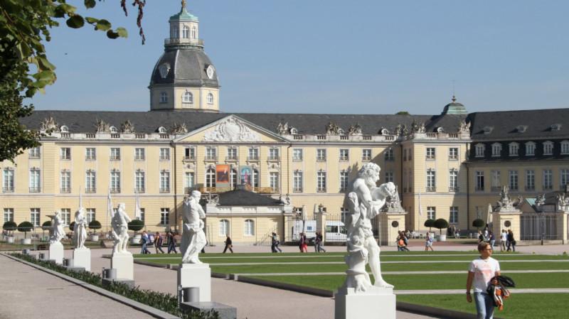 universitas terbaik di jerman Karlsruhe Institute of Technology