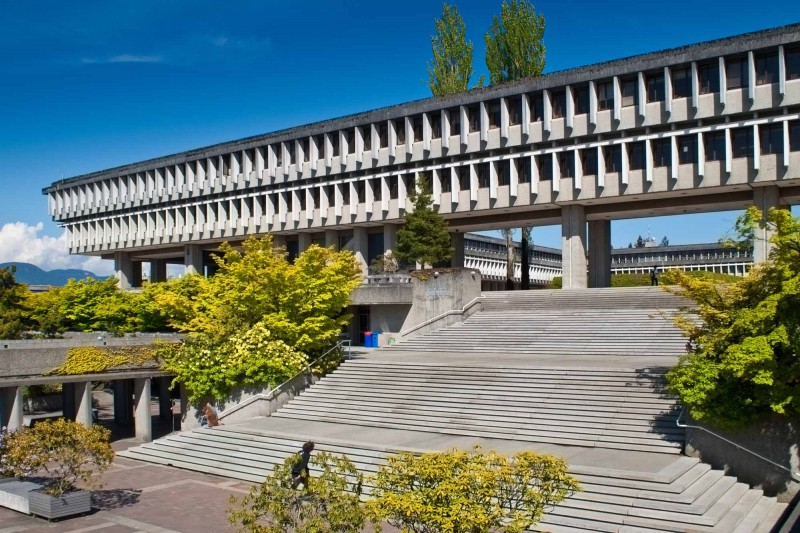 Universitas terbaik di Kanada Simon Fraser University