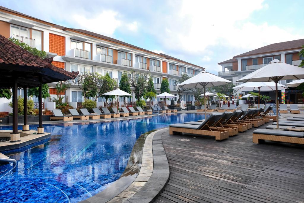 Kolam Renang Bali Four Points Hotel Kuta