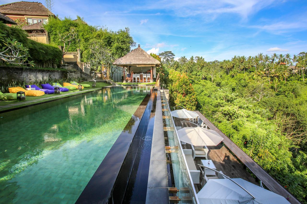 Kolam Renang Bali Kamandalu