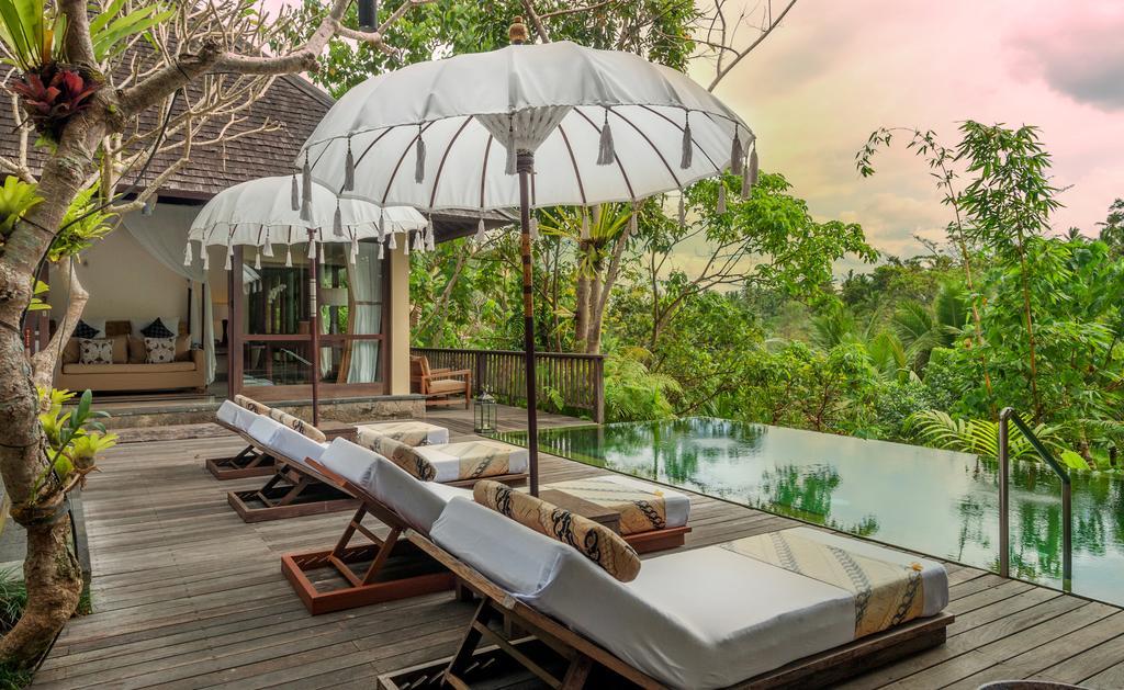 Kolam Renang Bali Komaneka Resort