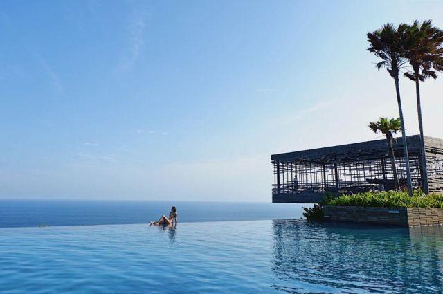 Kolam Renang BaliThe Edge Bali