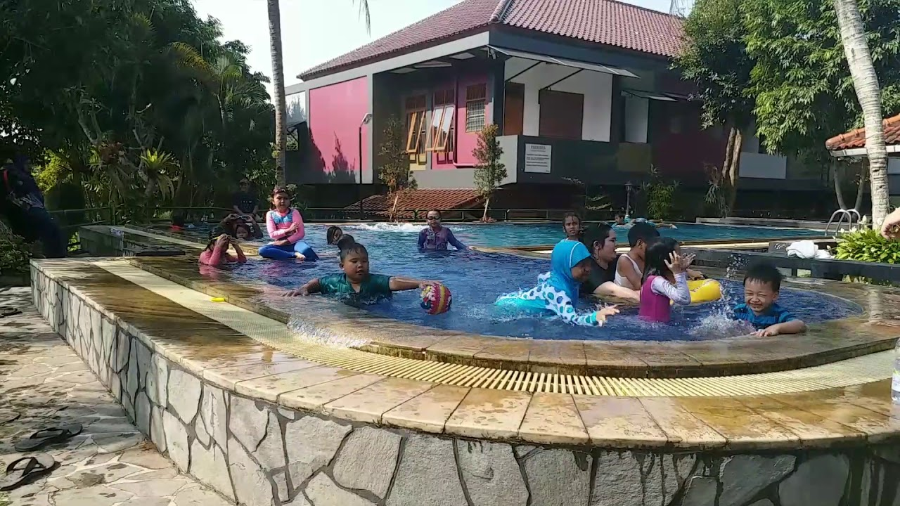 Villa Ratu Resort