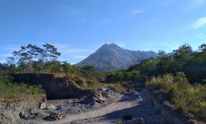 Covid-19 dan Gunung Merapi Mau Meletus: Bagaimana Bencana Bisa Menyatukan Kita
