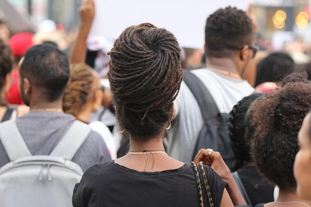 Kesenjangan upah Laki-laki dan Perempuan, Karena Faktor Agama