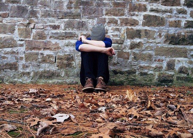 Anda Merasa Kesepian Begini Isi Otak Anda dan Efek Sampingnya