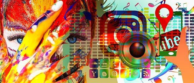 """Pentingnya Gambar dan Pesan Teks di Media Sosial yang Sesuai: Literasi Media Mungkin anda masih ingat dengan kejadian di Youtube tahun lalu ketika ada seseorang membuat hand sanitizer buatan rumahan, namun malah jadi seperti bubur. Atau anda sering mendapatkan gambar yang tidak sesuai dengan kata-katanya? Jika iya, mungkin anda perlu untuk membuat gambar dan pesan teks yang sesuai di media sosial yang hendak anda posting. Sebab antara pesan dan gambar petunjuk yang sama di media sosial sangat menentukan perilaku untuk """"meniru"""". Hal ini sangat membantu ketika gambar dan pesan teks teks di media sosial yang anda posting sesuai. Namun jika sebaliknya, anda justru membawa seseorang untuk meniru perilaku yang dapat fatal akibatnya seperti contoh diatas. Hal ini tertuang dalam penelitian berjudul """"When Social Media Images and Messages Don't Match: Attention to Text versus Imagery to Effectively Convey Safety Information on Social Media"""". Penulis utamanya adalah Elizabeth G. Klein dari departemen kesehatan masyarakat di Ohio State University beserta sejumlah koleganya. Penelitian ini dimuat dalam Journal of Health Communication, seperti yang dikutip dari Science Daily (31 Desember 2021). """"Banyak waktu, ilmuwan dan ahli keamanan yang tidak terlibat dalam keputusan mengenai penggunaan media sosial dalam mewakili ahli kesehatan maupun organisasi lain, kami akhirnya melihat adanya gambar mengenai keselamatan yang buruk, gambar yang bertentangan dengan pedoman,"""" kata Elizabeth G. Klein yang mengemukakan asumsi dasar dalam penelitian ini. Pentingnya Gambar dan Pesan Teks Teks di Media Sosial, Mengapa? Bagi para ahli di bidang kesehatan, gambar dan pesan teks berperan penting dalam penerapan kebiasaan sehat di masyarakat. Mencuci tangan saat pandemi Covid-19 ini misalnya, banyak ilustrasi disediakan namun tidak semua dari ilustrasi tersebut benar. Media sosial menyediakan banyak ilustrasi mengenai bagaimana kita melakukan sesuatu dengan benar. Namun tidak semua dari ilustrasi ter"""